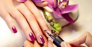 Avantajele aplicarii unghiilor false